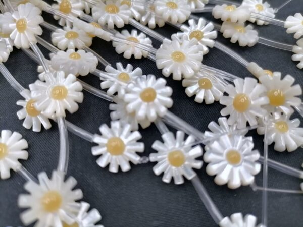 5 Pcs 10/12mm Natural Flower Mother Of Pearl Shell Beads For Making DIY Necklace Jewelry Daisy Flower Shell Beads Fashion
